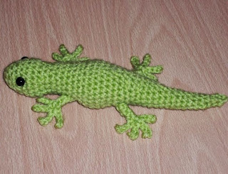 http://www.craftsy.com/pattern/crocheting/toy/gecko-crochet-pattern/61202