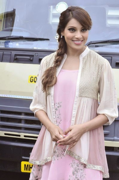 Bipasha Basu Promoting Creature 3D