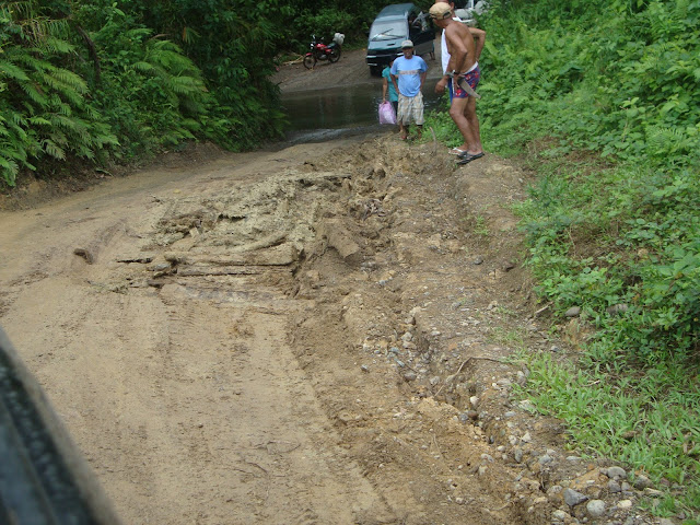 Road going to Casapsapan, Casiguran