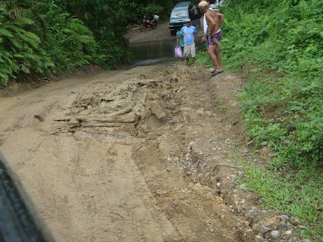 Road going to Casapsapan, Casiguran