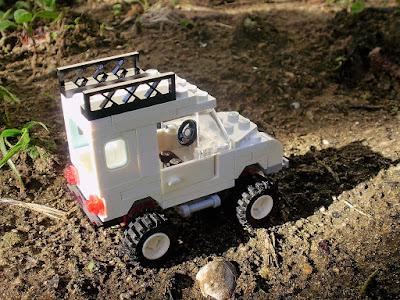 MOC LEGO Aventura de Sir David Attenborough