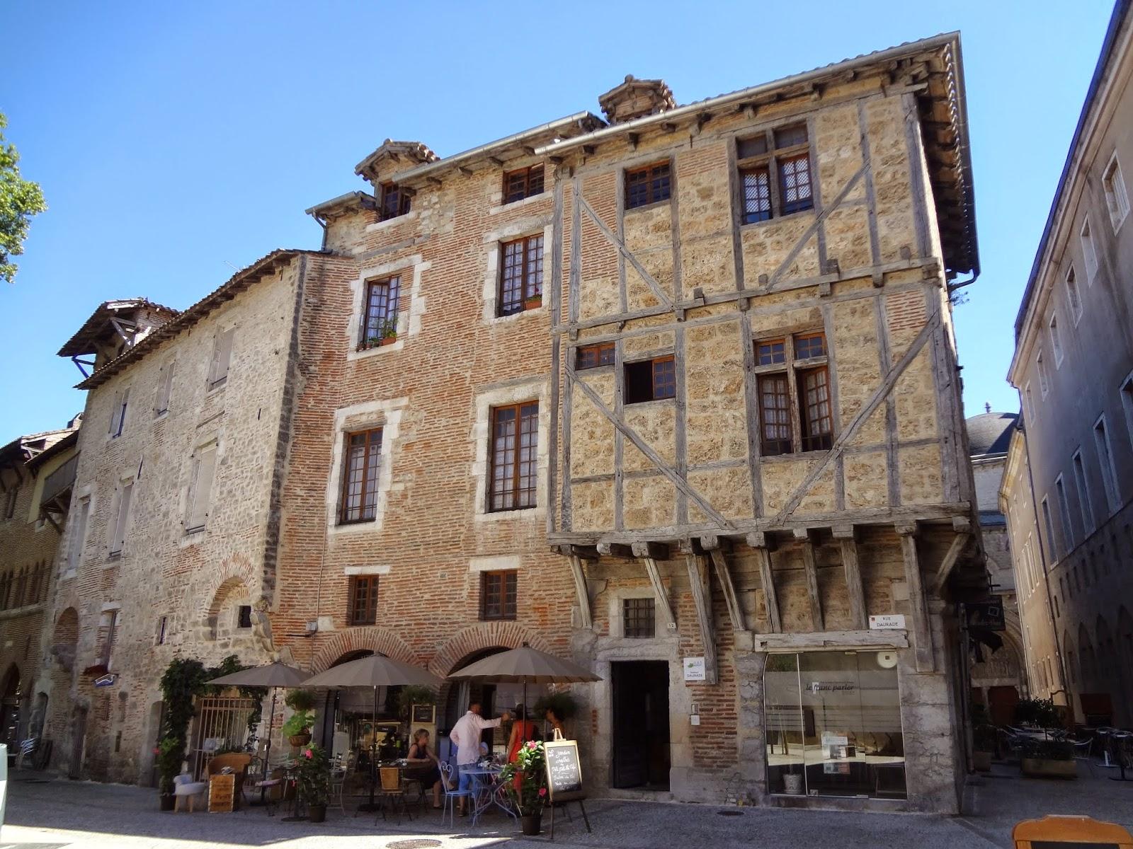 Place Olivier-de-Magny en Cahors