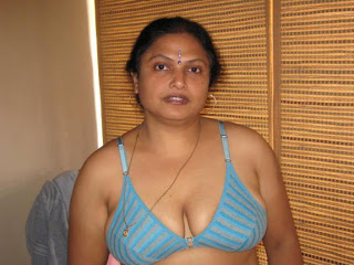 Top 10 Indian Bhabhi,aunty nude photos, big pussy pics images