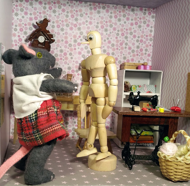 dummy, mouse, souris, mannequin, atelier de couture, sewing workshop