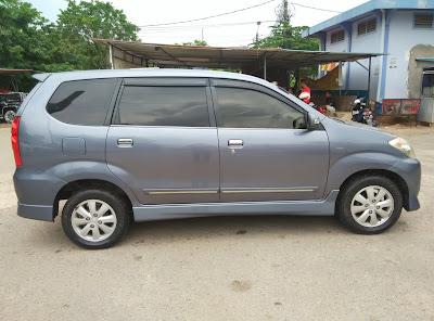 Mobil Bekas Batam - Toyota Avanza 2010 S Auto Matic