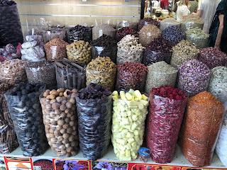 piata de mirodenii