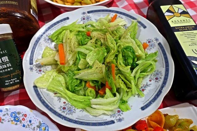 橄欖油炒高麗菜