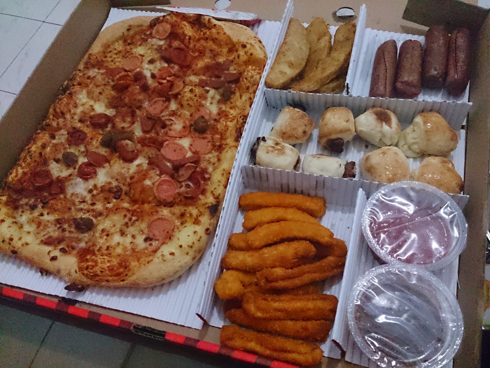 Product availability, combinability of discounts and specials, prices, participation, delivery areas and charges, and minimum purchase required for delivery may vary. Discounts are not applicable to tax, delivery charge, or driver tip. Availability of WingStreet® products and flavors varies by Pizza Hut.