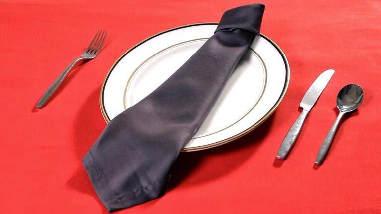 servilleta con forma de corbata