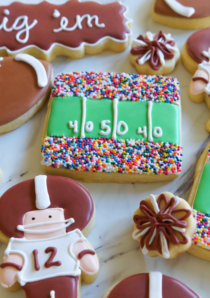 how to make football stadium decorated cookies ... such a cute addition to a football cookie platter! | bakeat350.net