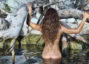 Το Facebook θέλει να του στείλετε γυμνές φωτογραφίες σας. Και λέει πως είναι για το καλό σας
