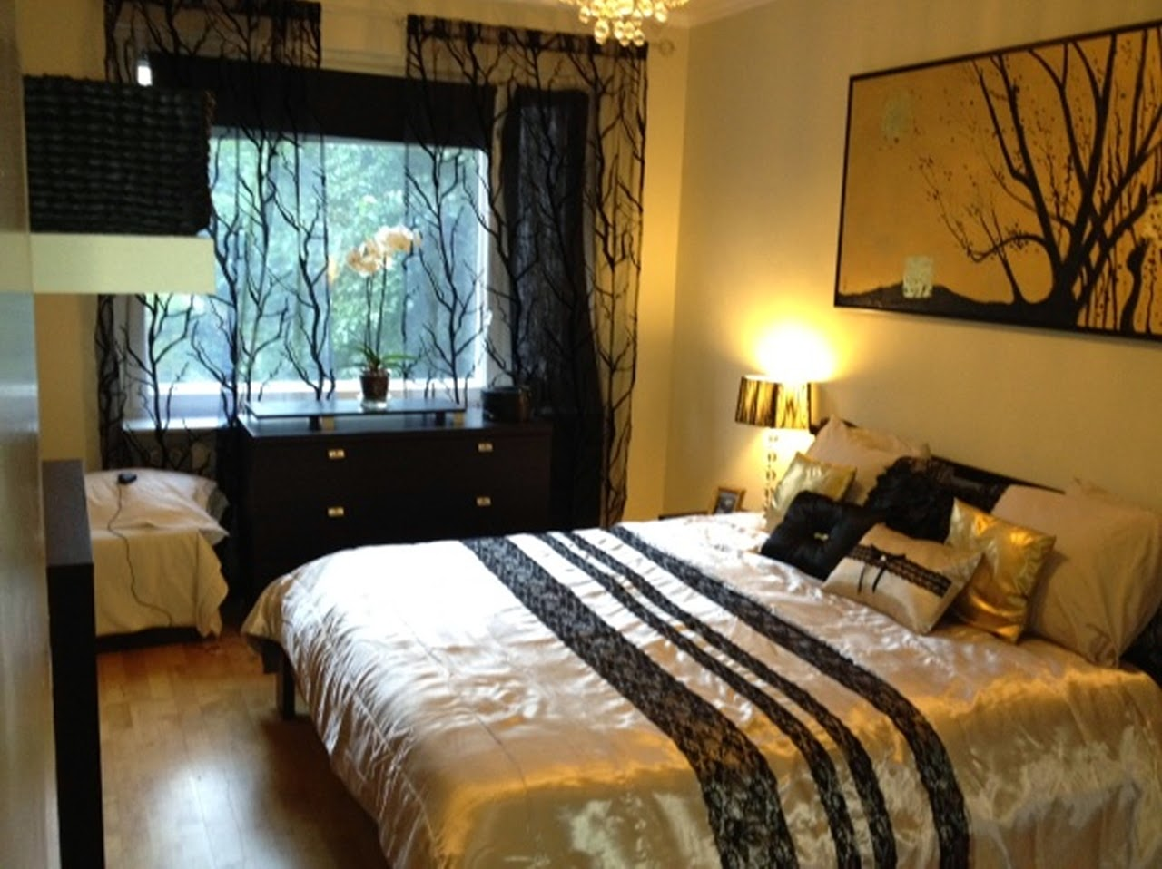 Jazzy's Interior Decorating: Gold, Black and White Bedrooms