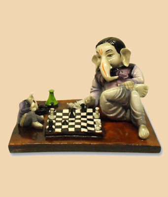 ganesh-ji-playing-chess-with-his-best-friend-rat