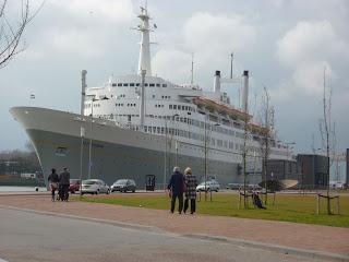 SS Rotterdam, barco hotel y restaurant en Holanda