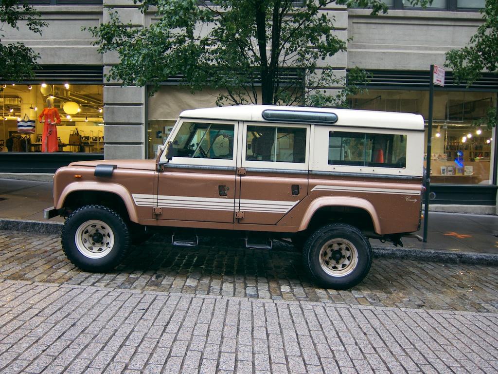 the street peep 1983 land rover defender 110. Black Bedroom Furniture Sets. Home Design Ideas