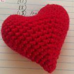 http://geekysagittarius.com/valentine-heart-amigurumi-pattern-free/