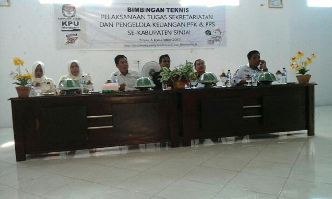 KPU Sinjai Berikan Bimtek Pengelolaan Keuangan Bagi Sekretariat PPK dan PPS