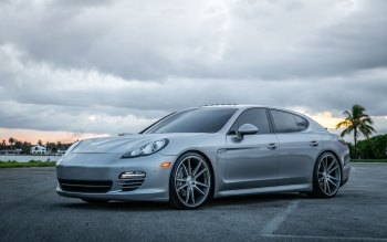 Wallpaper: Porsche Panamera