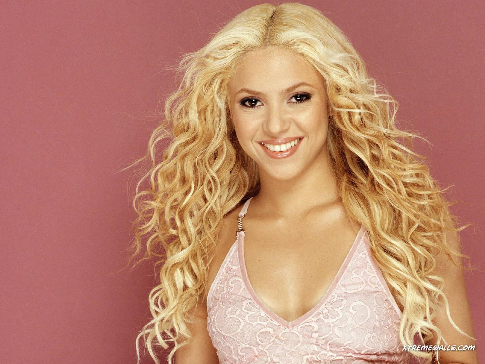 Celebrities Of 2012 Shakira Hot  Sexy Wallpapers, Shakira Photo -6169