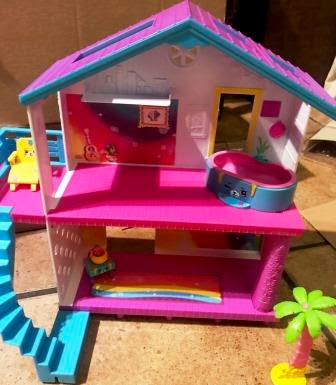 Shopkins Happy Places Beach House with Petkins