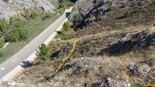 Camino de regreso tras terminar la vía ferrata Huerta de Rey.