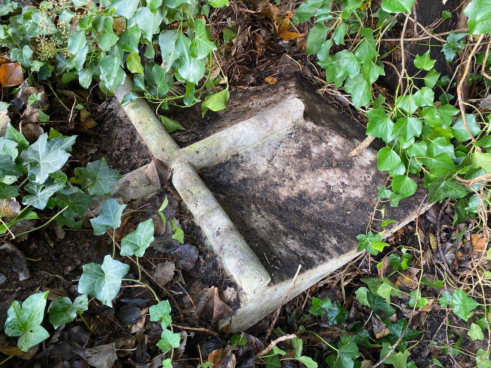 Possible grave of Pim.