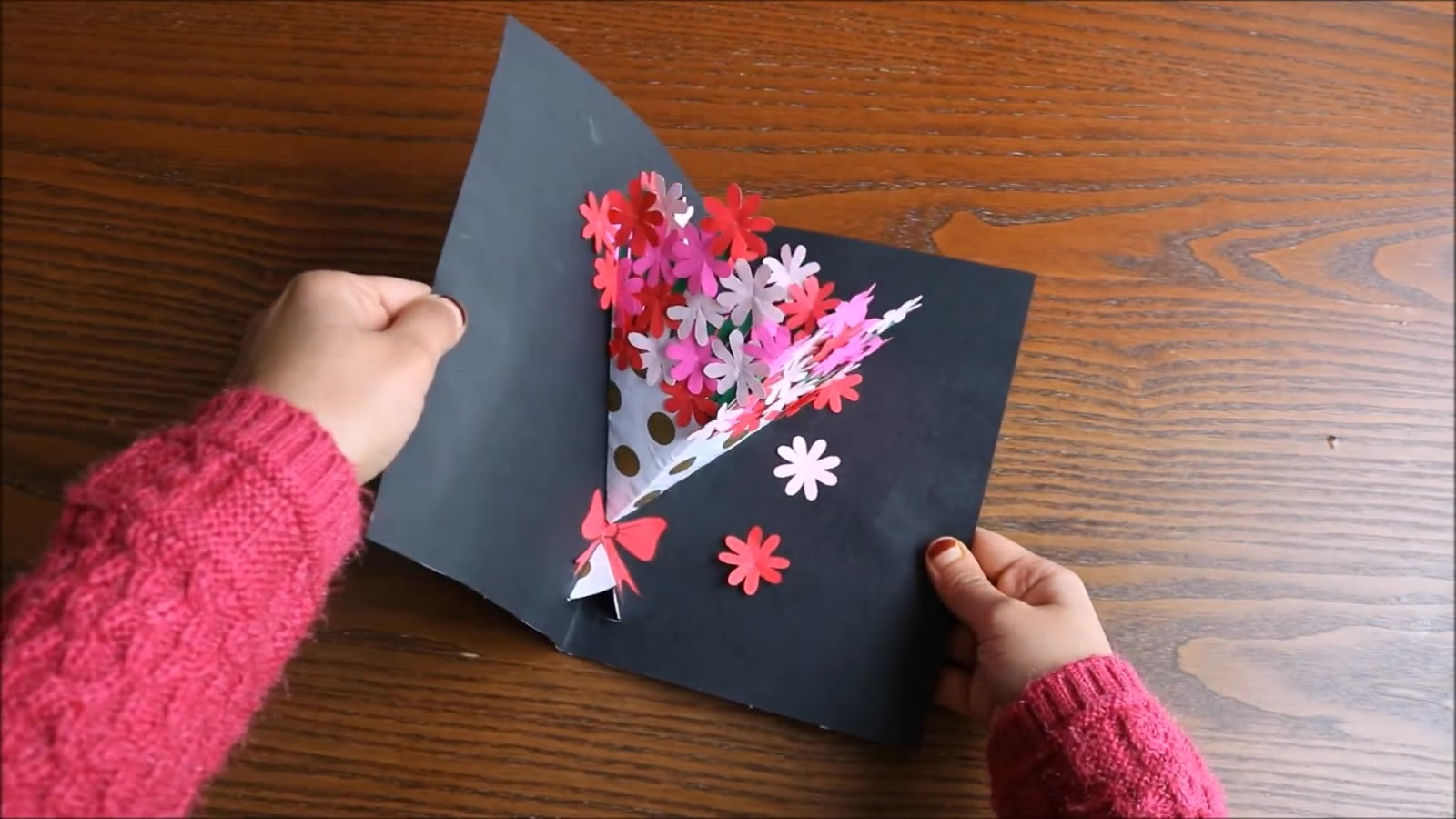 Flower bouquet pop up card crazzy craft how to make a 3d card using simple utilities like paperscissorsglue and colorseasy to make and can be presented in the form of greeting cards mightylinksfo