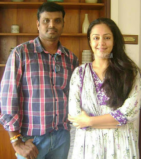 Jothika-with-her-fan-pic