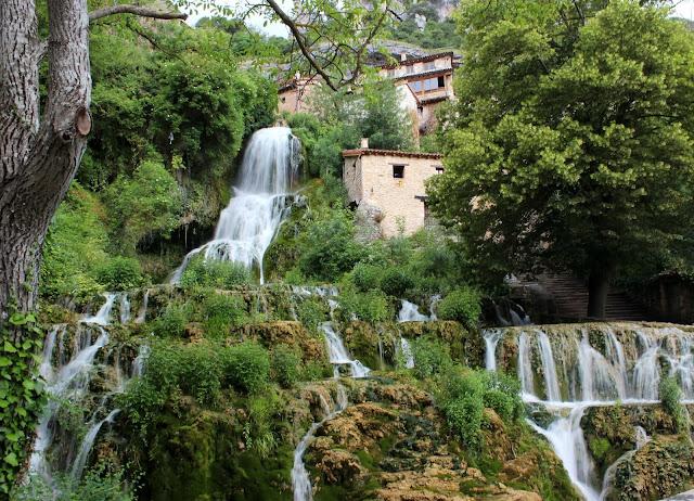 Cascada de Orbaneja del Castillo en Burgos