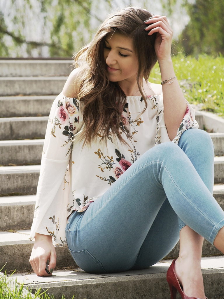 FLORAL BLOUSE & RED ACCESSORIES