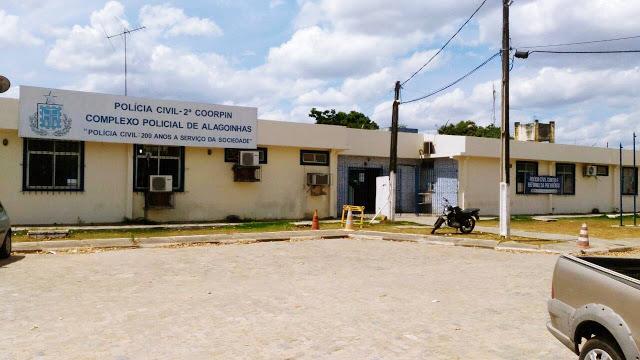 Até quando essas fugas? Presos danificam viga do teto da carceragem, abrem buraco e fogem da Delegacia Territorial de Alagoinhas
