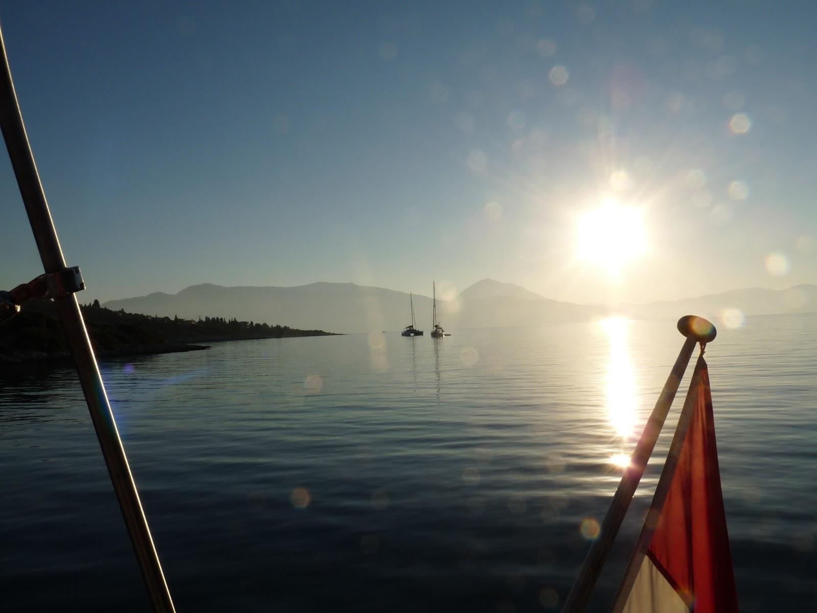De blauwvoet vliegt 16 augustus 2016 zeilen zwembadwater en een wildwaterbaan naar sami - Eilandjes bad ...