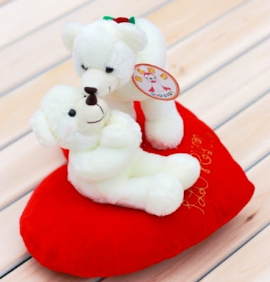 Gambar Wallpaper Boneka Beruang Putih