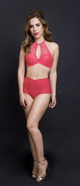 84fc4493d Chic e Fashion  Wanessa Camargo posa para grife de lingerie