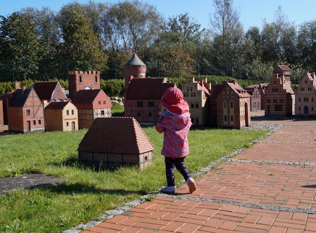 Die Tolk-Schau: Ein spannender Familien-Freizeitpark für Groß und Klein. Die Miniaturstadt Schleswig auf dem Gelände der Tolkschau ist spannend!