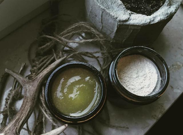 Domowe kosmetyki - jak się za to zabrać, w co się wyposażyć?