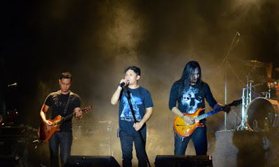 Lagu Andra and the Backbone Terbaik