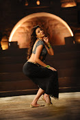 kajal sizzling in pakka local item song-thumbnail-6