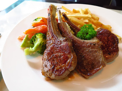 Huber's Bistro, lamb chops