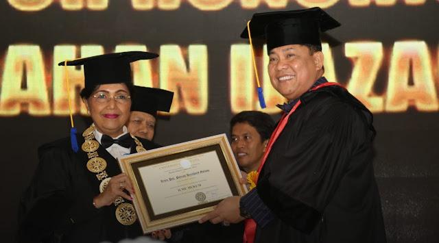 Kapolda Bali Raih Penganugerahan Gelar Doktor Kehormatan