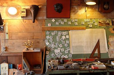 古道具 燕 壁のディスプレイ