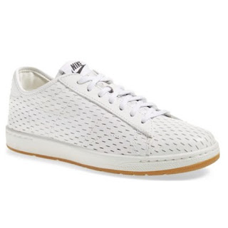 Nike tennis classic ultra white perforated leather sneakers