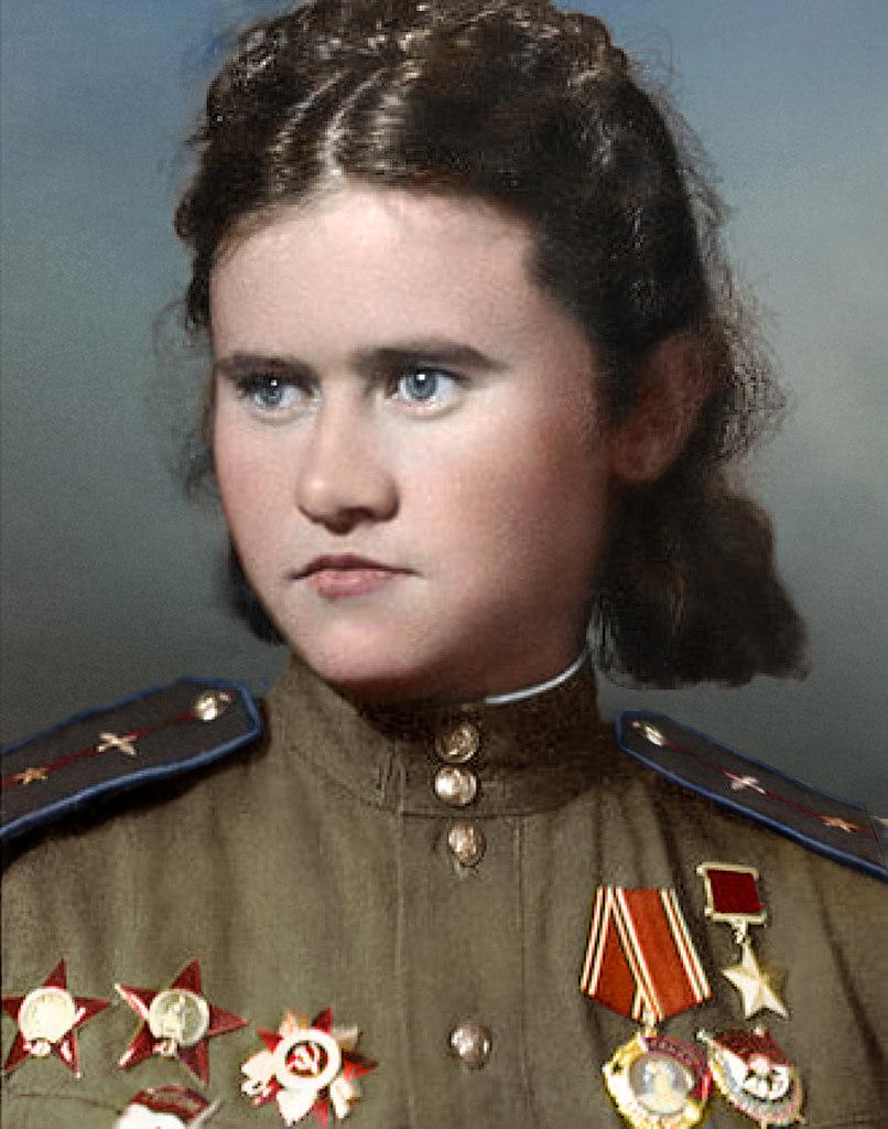 Crazy Eye Make Up: World War II In Pictures: Crazy Eyes Of World War II