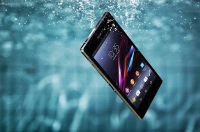 Cara Ampuh Mengatasi Handphone Yang Terendam dalam Air