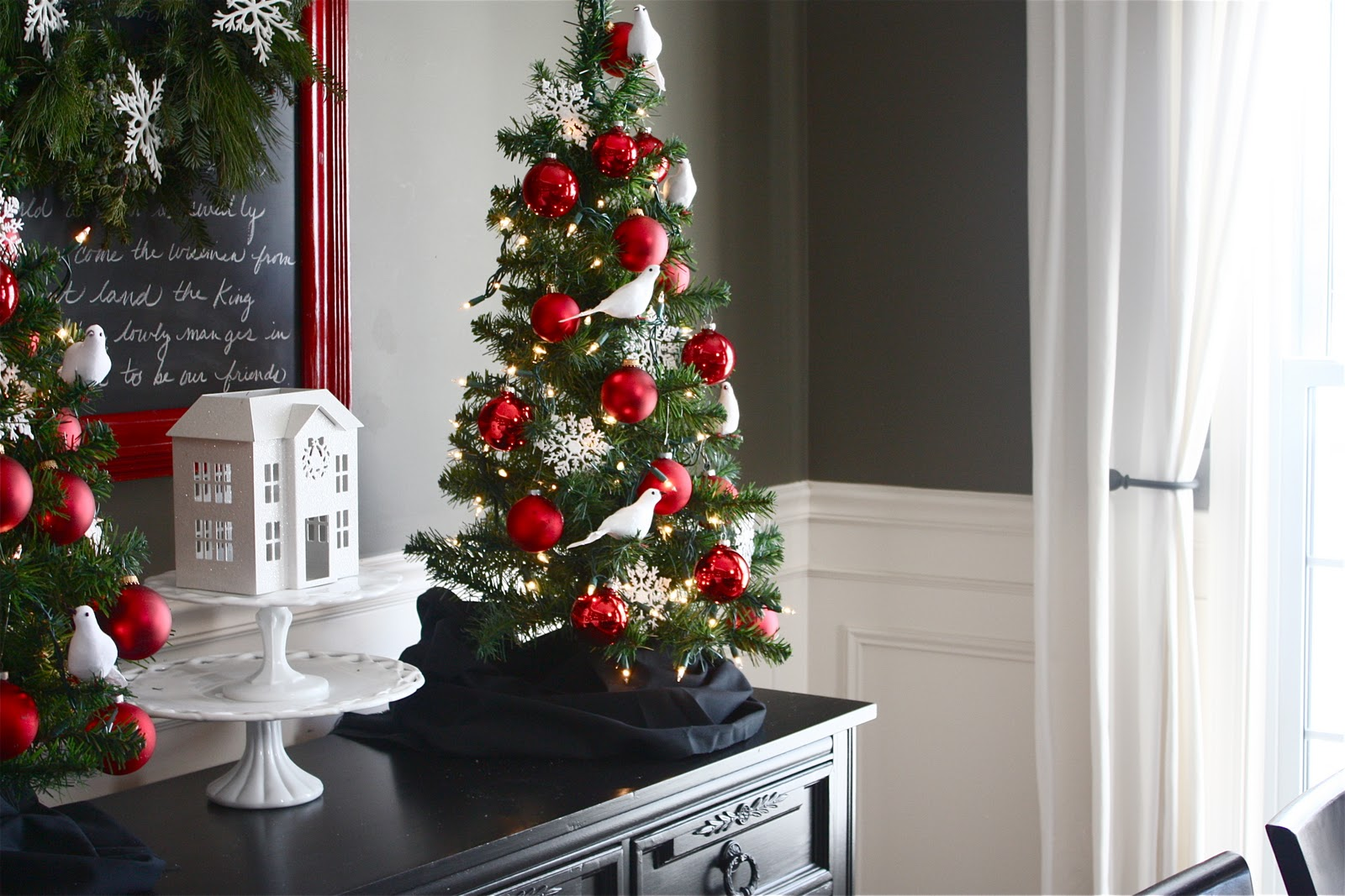 The Yellow Cape Cod Christmas Home Tour 2011