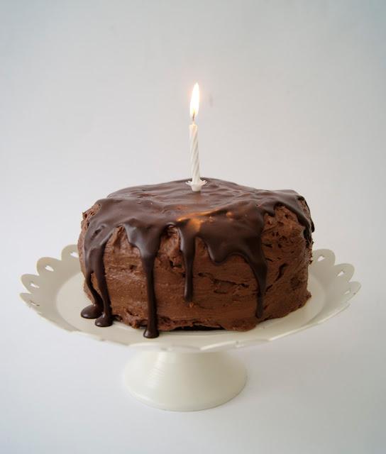 französische Orangencreme, Geburtstagstorte, Rezept, Saftiger Schokoladekuchen, Schokoladen Ganache, Schokoladen Swiss Meringue Buttercreme,