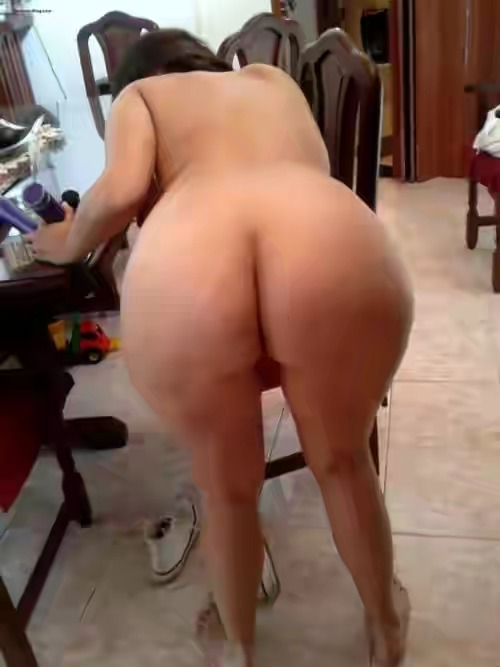 aunty moti in hot tight gaand