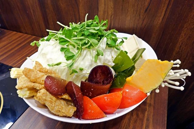 八方悅素食菜盤
