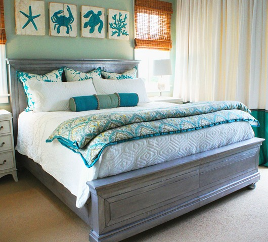 Turquoise Wall Art and Decor in Bedroom