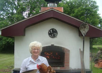 "The ""Chicken Pizza Lady"" gets to bake in Steve's and Sue's WFO"